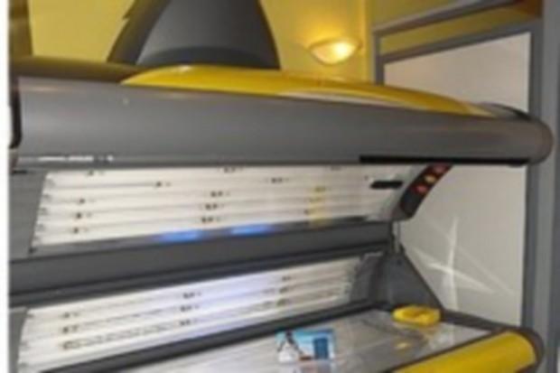 GIS: częste opalanie w solarium zagraża zdrowiu