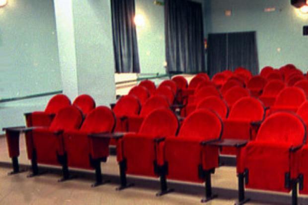 Kraków: film w kinie niespodzianką dla niepełnosprawnego Pawła