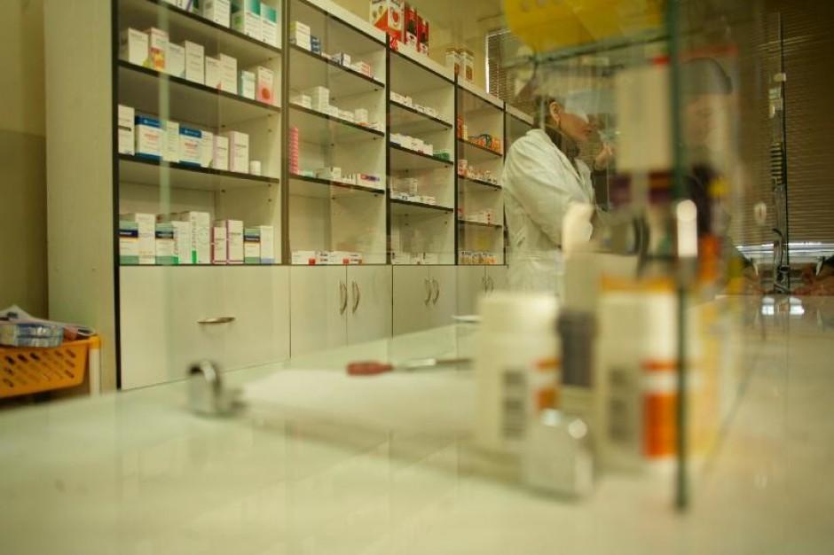 Małopolska: aptekarze w kolejkach po umowę