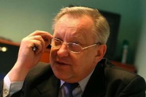 Piecha: Arłukowicz ma słabą pozycję w rządzie