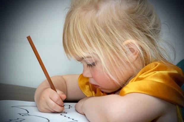 Naukowcy: objawy dysleksji można wykryć w mózgach czterolatków