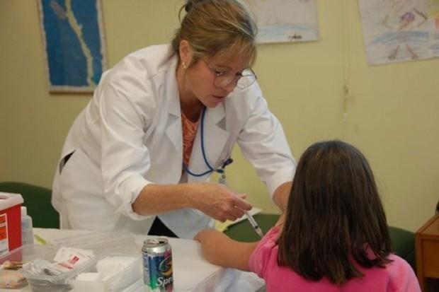 Bezpłatne szczepienia przeciwko pneumokokom i ospie