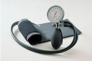 Eksperci: ciśnienie powinno być mierzone na obu rękach