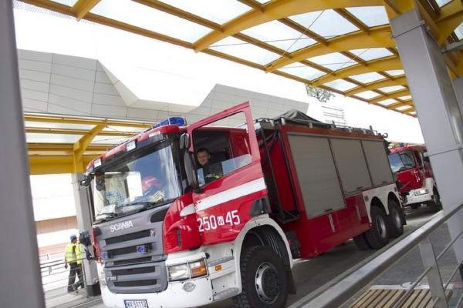 Łódź: strażacy dostarczali prąd do respiratora