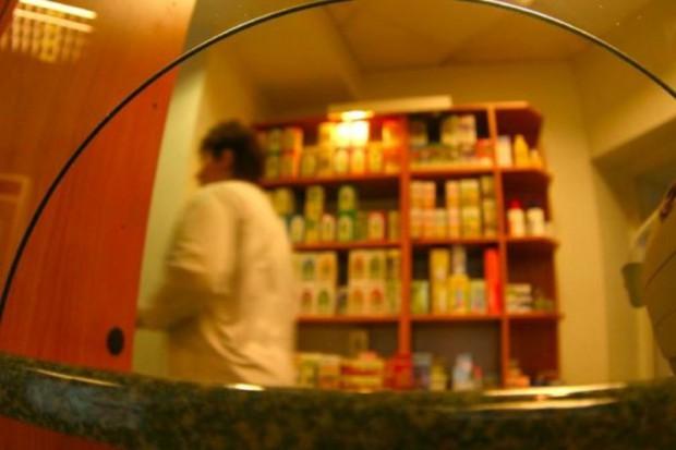 Naczelna Rada Aptekarska informuje resort zdrowia o naruszeniach prawa