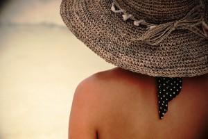 Brytyjscy dermatolodzy: chrońmy skórę podczas wakacji