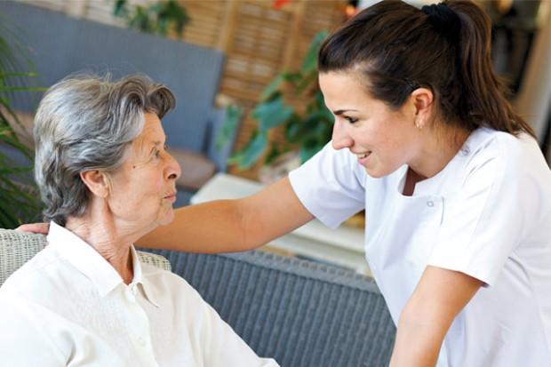 MZ: wsparcie kształcenia w zakresie opieki geriatrycznej