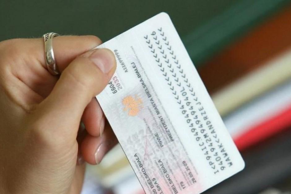 MSW: karty ubezpieczenia zdrowotnego i dowody osobiste będą odrębnymi dokumentami