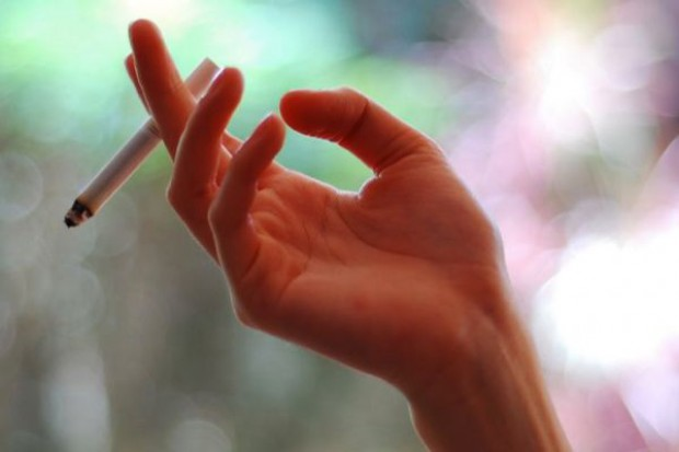 Naukowcy: witamina C poprawia funkcjonowanie płuc u dzieci palaczek