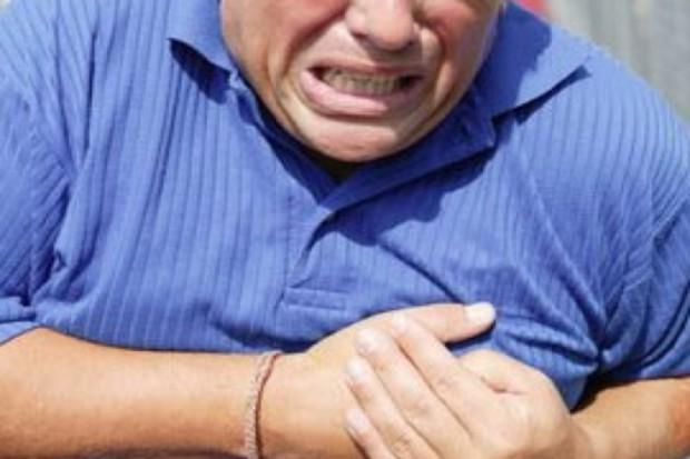 Naukowcy: niewierny mężczyzna szczególnie narażony na zawał