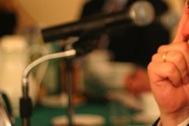 NFZ  rozmawia o receptach z samorządem lekarskim i aptekarskim