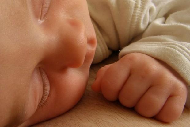Niemcy: anonimowy poród zapobiegnie porzucaniu noworodków?