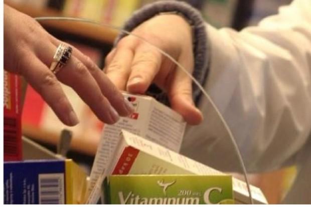 Polacy kupują mniej leków. Oszczędza NFZ, stracą producenci, hurtownie i apteki