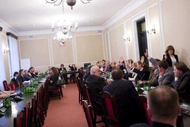 Sejm: projekt ws. dostępu online do bazy ubezpieczonych trafił do podkomisji