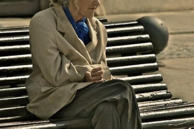 Siedzący tryb życia równie szkodliwy jak palenie?