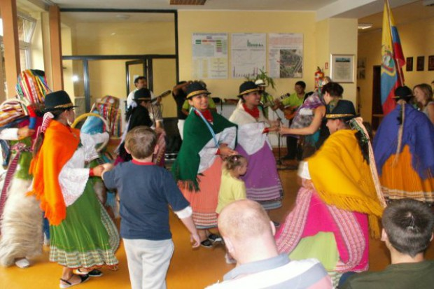 Olsztyn: egzotyczni goście w Szpitalu Dziecięcym