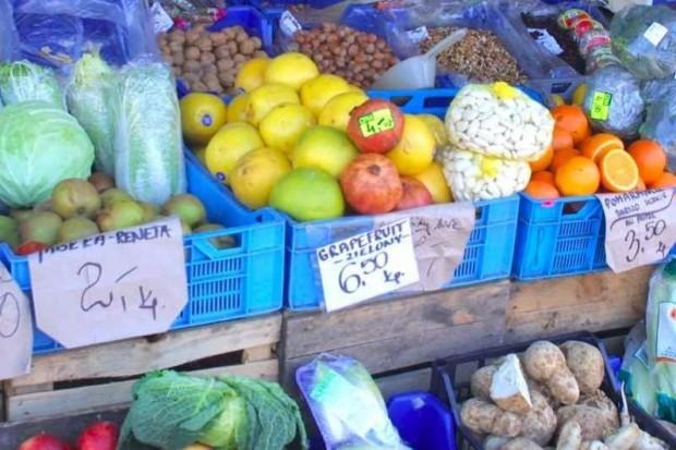 Sondaż: dieta Polaków uboga w warzywa i owoce