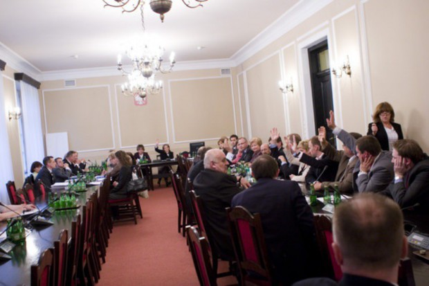 Sejm: komisja zdrowia odrzuciła poprawkę do projektu o CWU
