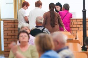 Lublin: pacjenci bronią przychodni, nie chcą połączenia ze szpitalem