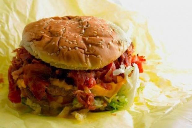 Badania: zabawka dołączona do posiłku szansą na skuteczną walkę z otyłością dzieci