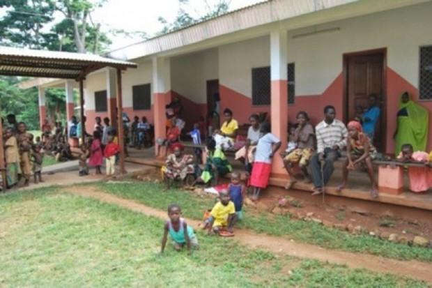 Uganda: ukradł w szpitalu komórkę - wrócił zakażony wirusem Ebola