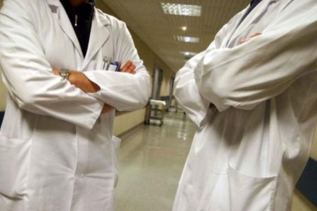Resorty zdrowia i finansów toczą bój o rezydentrury