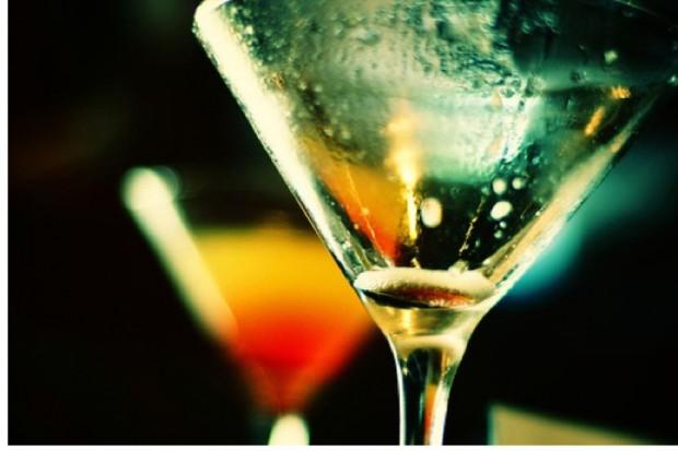 GIS ostrzega przed piciem alkoholu niewiadomego pochodzenia