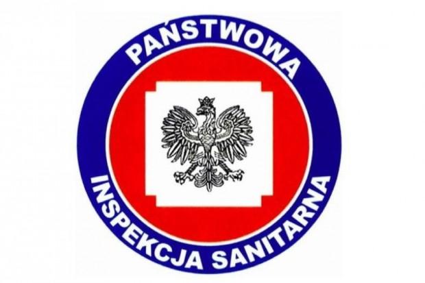 GIS: inspektorzy sanitarni pobierają próbki czeskiego alkoholu