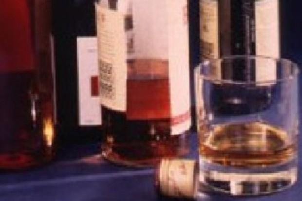 GIS: w 110 przebadanych próbkach alkoholu nie stwierdzono metanolu