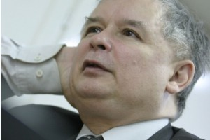 Kaczyński po kontakcie z osobą zakażoną koronawirusem udaje się na autokwarantannę