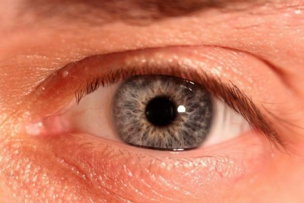 Kawa zawierająca kofeinę przyczynia się do utraty wzroku?