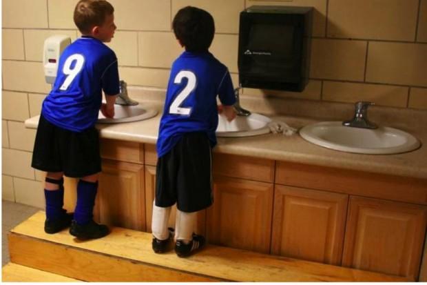 Światowy Dzień Mycia Rąk, czyli do czego służy mydło