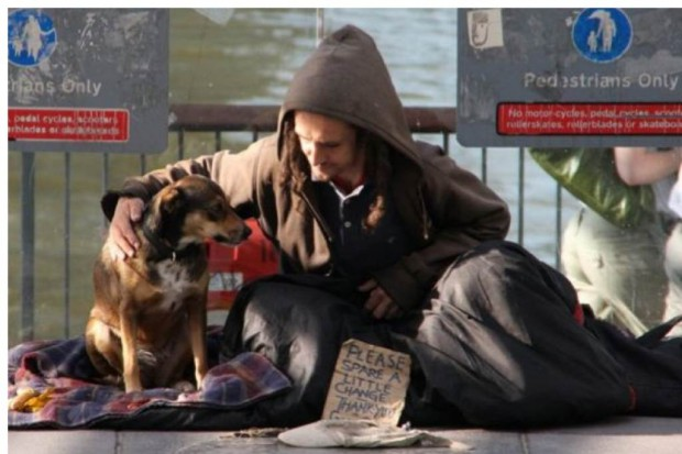 Kraków: coraz trudniej o leczenie bezdomnych; problem narasta