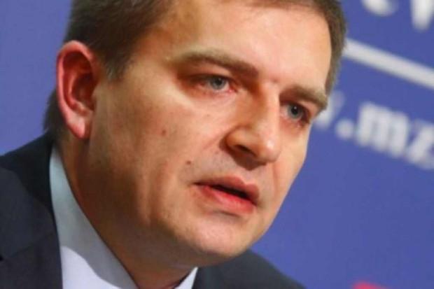 Sondaż: notowania ministra zdrowia nadal niskie