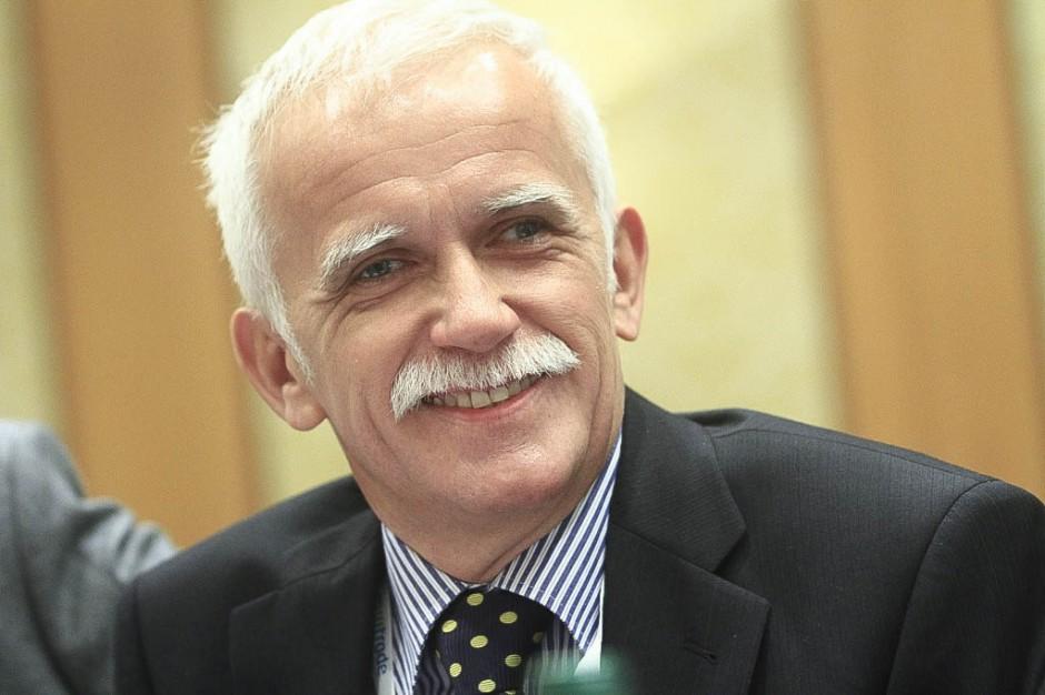 Prof. Roman Smolarczyk pokieruje wewnętrzną komisją WUM ds. szczepień