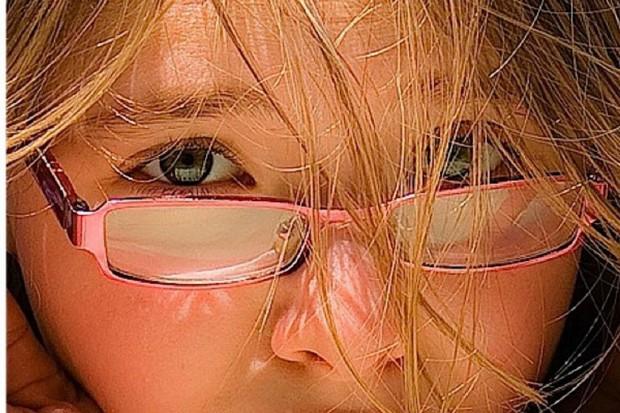 """Świętokrzyskie: ruszyła akcja społeczna """"Spójrz dziecku w oczy"""""""