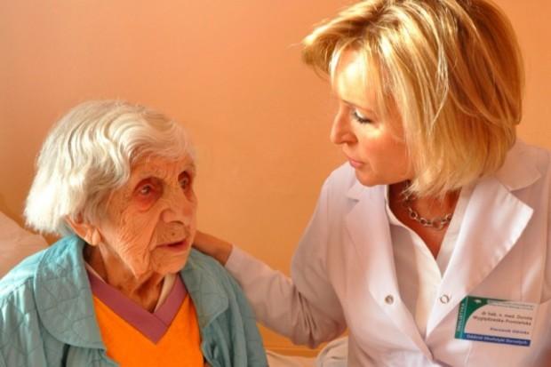 MZ: będą szkolenia dla personelu medycznego dotyczące geriatrii