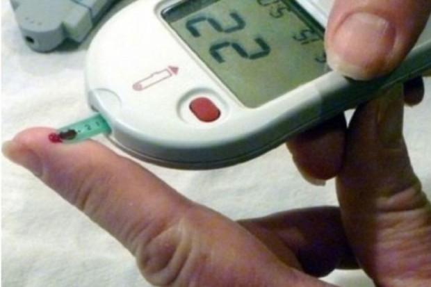 Wielkopolska: 19 dzieci pod opieką lekarzy po nieprawidłowym badaniu glukometrem