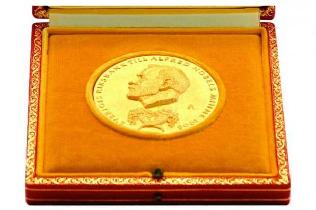 W Sztokholmie wręczono nagrody Nobla; w dziedzinie medycyny nagrodzono naukowców z Anglii i Japonii