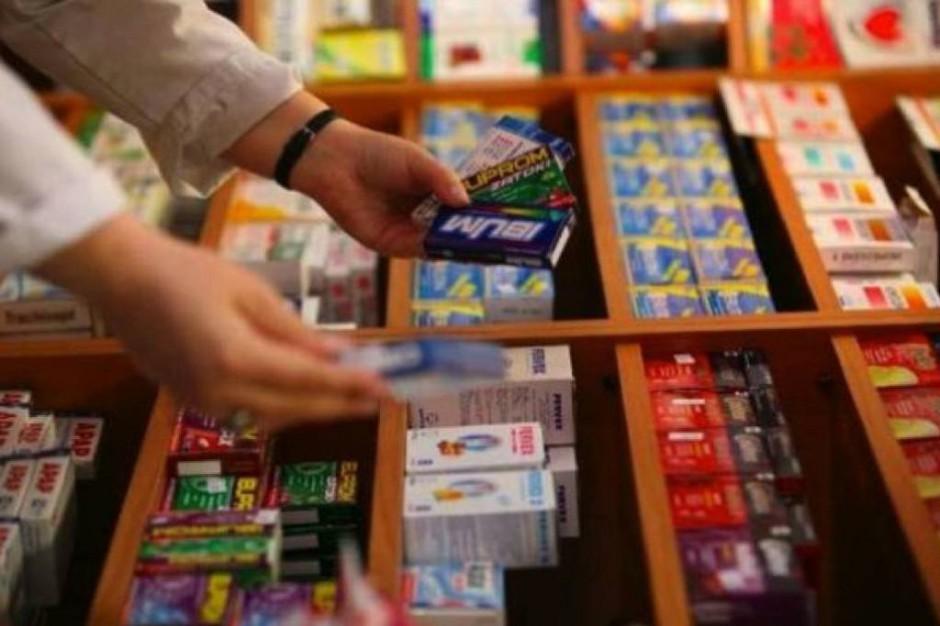 Przeciwbólowe leki bez recepty - lepiej sprzedają się duże opakowania