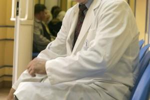 Obowiązek rejestracji praktyki zawodowej dla lekarzy na kontraktach. Zostało niewiele dni