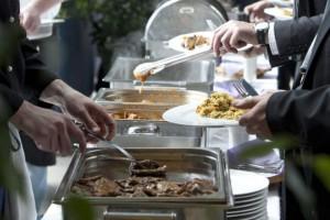 Świąteczne posiłki jedzmy rozsądnie, a potem spacer