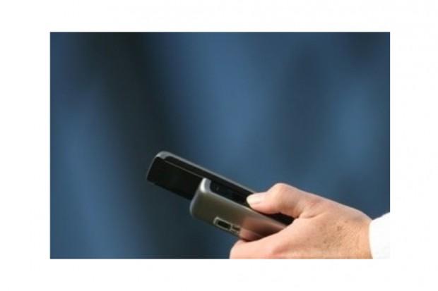 Naukowcy o bezpiecznym używaniu telefonów komórkowych