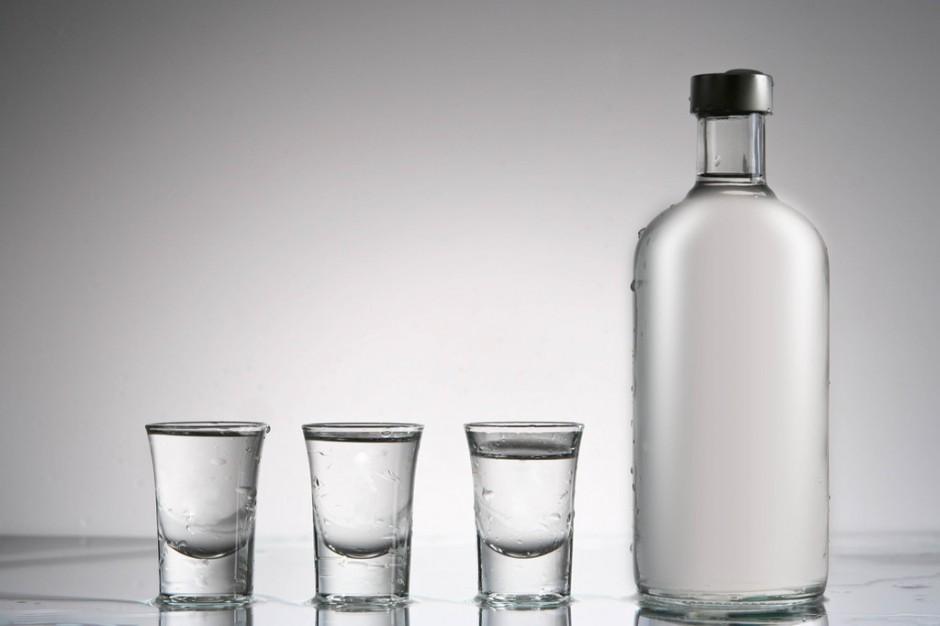Śląskie: wojewoda i sanepid ostrzegają przed podejrzanym alkoholem