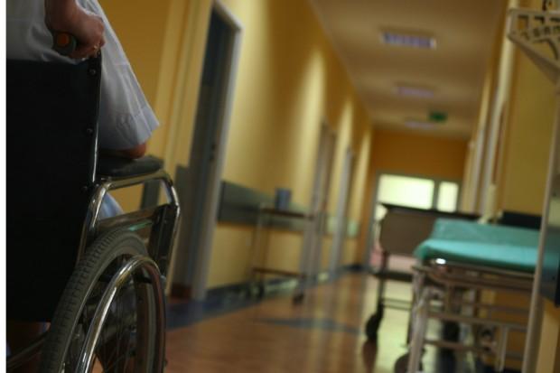 Zadłużone szpitale: są ustawowe terminy i pieniądze do wzięcia. Czas na decyzje