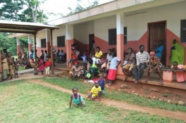 Gambia: ziołami będą leczyć... AIDS