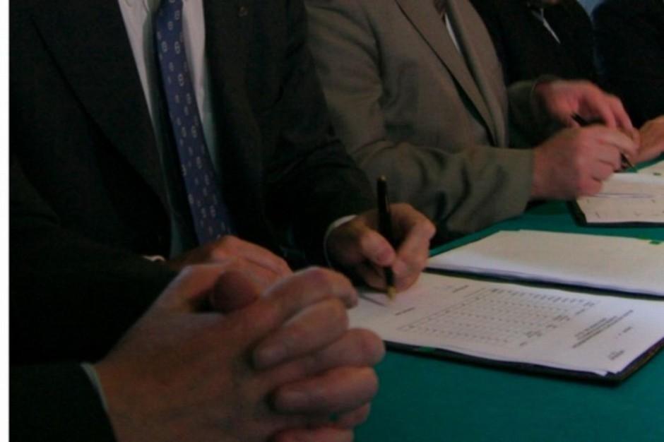 NFZ ws. umów zawartych w latach 2008-2013