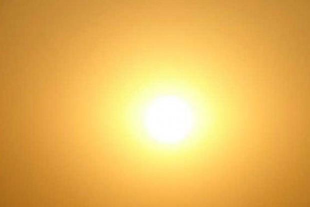 Zimą bardziej niż latem trzeba chronić wzrok przed słońcem