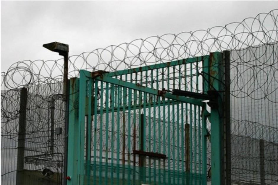 Rosja: około 56 tys. osób przebywających w więzieniach choruje na AIDS