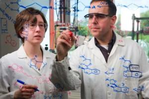 Naukowiec UŁ projektuje czujniki do wykrywania istotnych składników diety